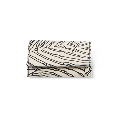 Handmade wallet in recycled cotton with jungle pattern in black and white - Closed.