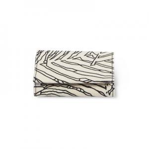 Handgjord plånbok i återvunnen bomull med djungelmönster i svart och vitt - Stängd.