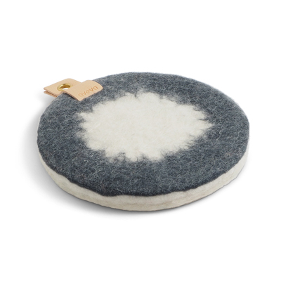 Round trivet in ombre with a hanger in eco leather - Dark grey and white.