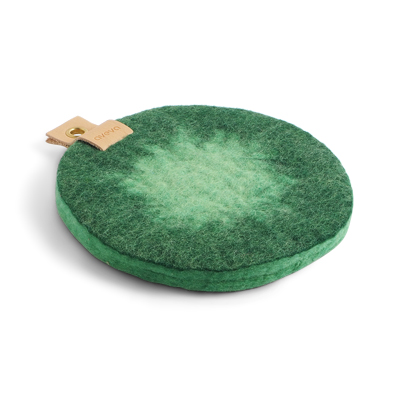 Round trivet in ombre with a hanger in eco leather - Emerald green.