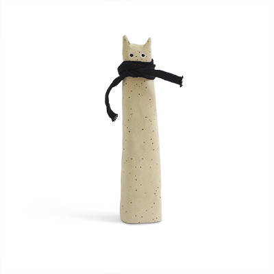 Cat made of raw stoneware. White cat with a black scarf around the neck. Size Large.