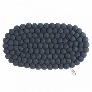 Oval trivet in 100% wool in dark gray.