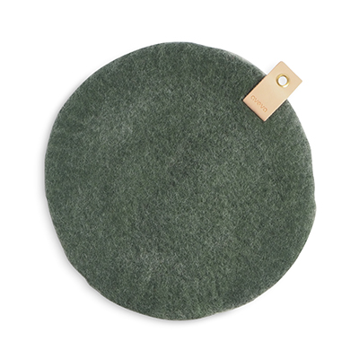 Round seat cushion in moss green wool with a hanger in eco leather.