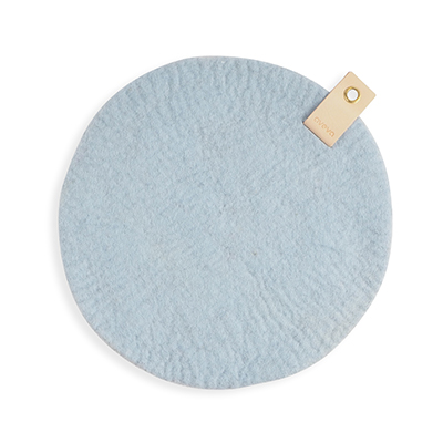 Round seat cushion in light blue wool with a hanger in eco leather.