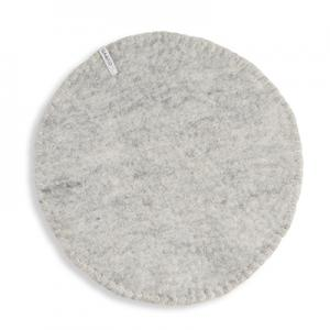 Seat cushion in wool with a stitched edge, color grey.