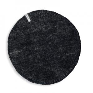 Seat cushion in wool with a stitched edge, color black.