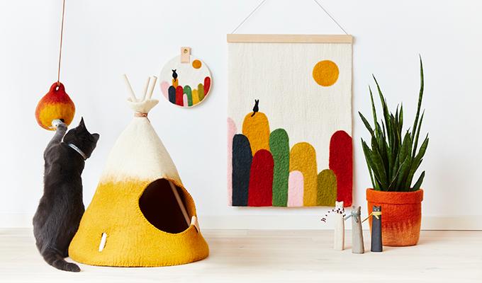 Cat in wool tipi - wool poster - wool flowerpot - wool bird house - 100% wool
