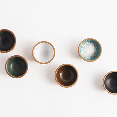 Small ceramic bowls in different colors.