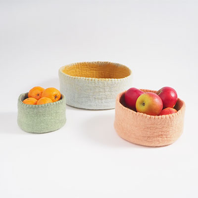 tablebasket in 3 sizes in pastell colors.