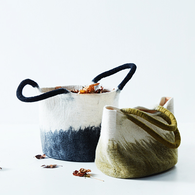 Baskets - 100% wool - dark grey and olive green.