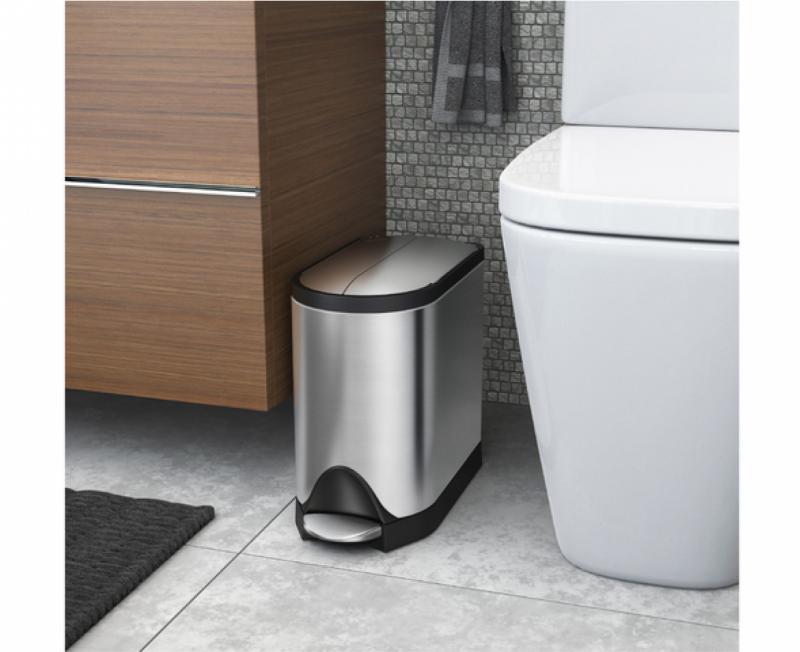 Simplehuman CW1899 pedalhink på 10 liter är den perfekta pedalhinekn i badrummet. Rymmer mcyekt och tar liten plats
