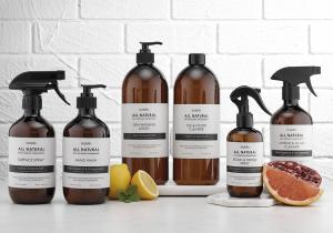 All Natural är en serie tvål och rengöringsmedel som är tillverkat av helt naturliga ingredienser.