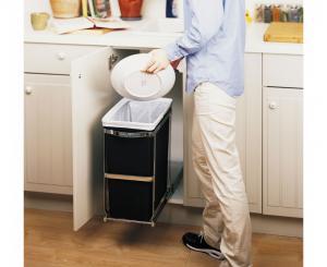 Simplehuman inbyggnadskärl för placering under diskbänken
