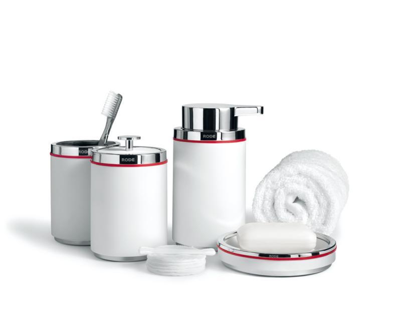 Rode Bath badrumstillbehör i vit gjutmarmor. Elegant och stilren dansk design