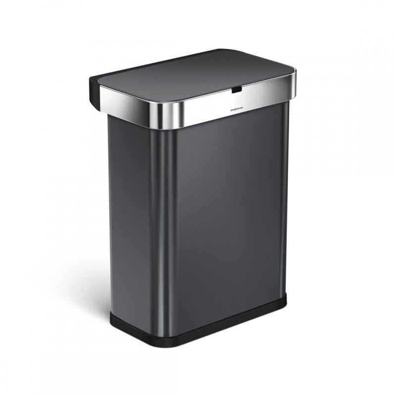 Röst och rörelsestyrd svart stål