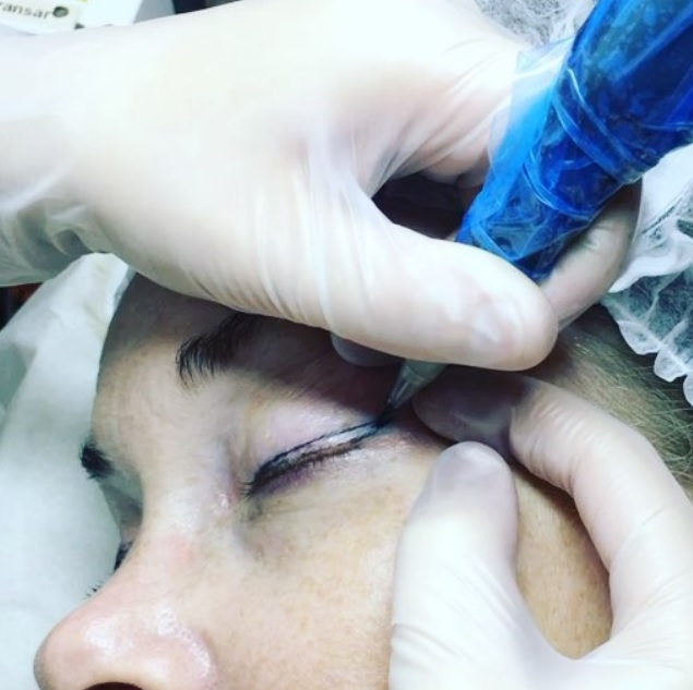 Utbildning i Eyeliner - maskinmetod