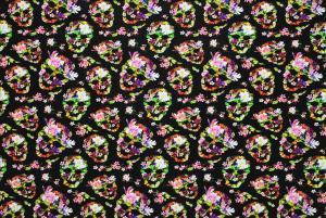 Blommiga dödskallar med svart botten