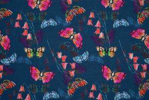 Fjärilar på blå/grön botten