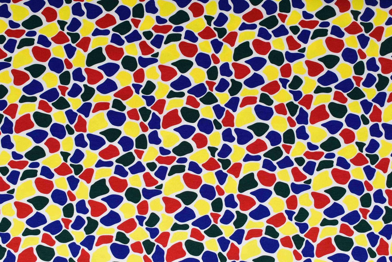 Olikfärgade prickar