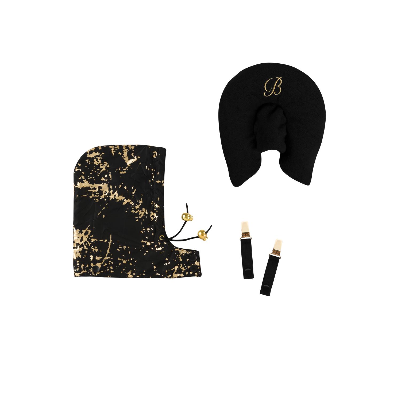 Kudde och luva till åkpåse i svart och guld. Klämmor för att använda åkpåse som överdrag till bärsele.