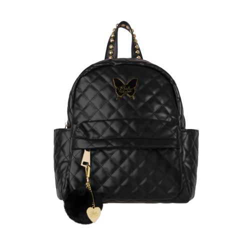 Svart ryggsäck för barn med guldiga detaljer tillverkad i quiltat läderimitation. Tillhörande nyckelring med svart pälsboll.