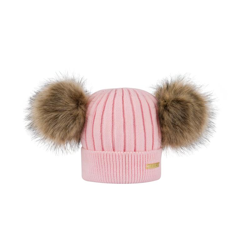 Stickad mössa i rosa merinoull med pälsbollar i fuskpäls