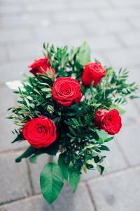 Röda rosor, 5 st