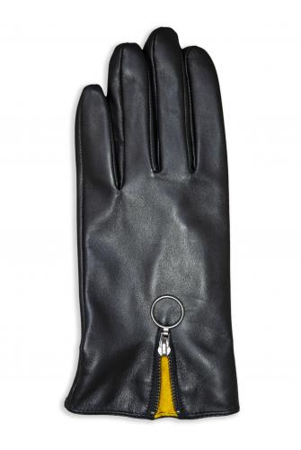 Alice Glove Woman