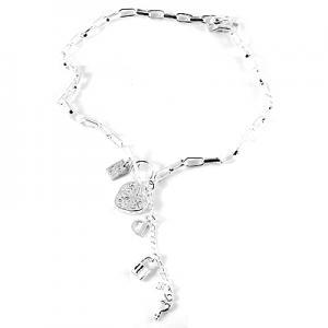 Halsband kedja med ett hjärta och litet lås med nyckel