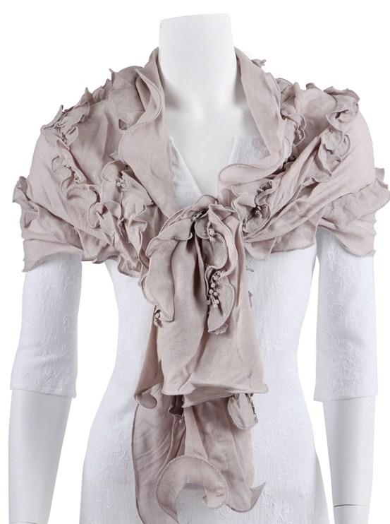 Antikvit sjal från Charmant of Sweden