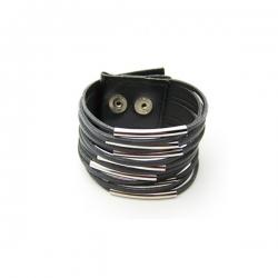 Läder armband med silverfärgade stavar, knäpps med tryckknapp