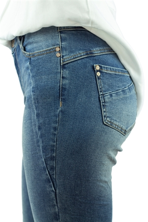 Canyon Jeans Blue Denim - Capri Collection