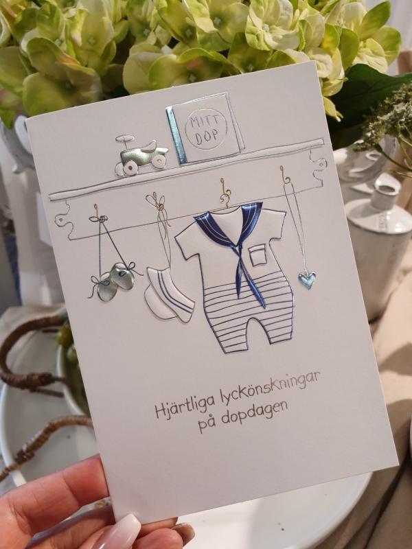 Hjärtliga lyckönskningar på dopdagen (pojkkläder), kort från Pictura