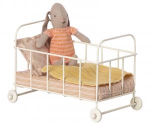Barnsäng micro i metall, vit med rosa sängkläder, Maileg    LEV OKT/NOV