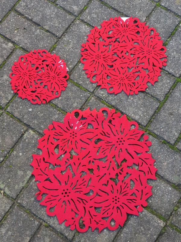 Bordstablett, duk Blomma röd - 3 storlekar