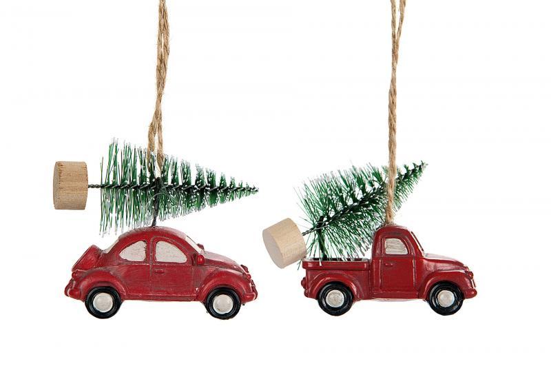 Röd pick-up med julgran på taket - A lot