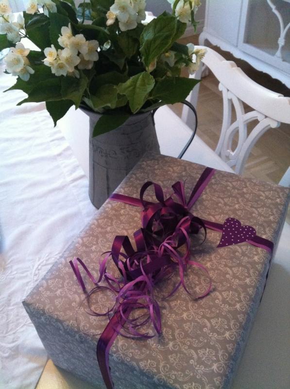 Paketinslagning Present/Julklapp