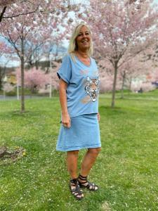 Sweatshirt kjol, stonewashed blå (Cissi) - Mix by Heart