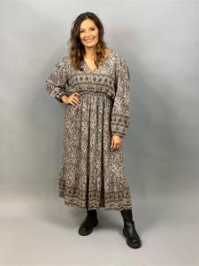 Lång mönstrad klänning med puffärm och volang nertill (Almina) - Mix by Heart