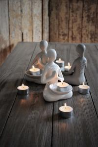 Maja, Yoga Beige  (Yoga girl - ljusslykta för värmeljus)