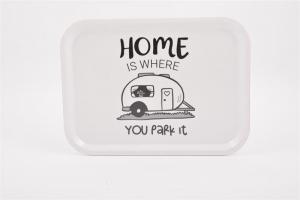 Bricka 27x20 cm, Home is.. Husvagn, vit/svart text - Mellow Design