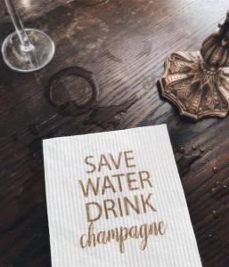 Disktrasa, Save water drink champagne... (vit/guld) - Mellow Design