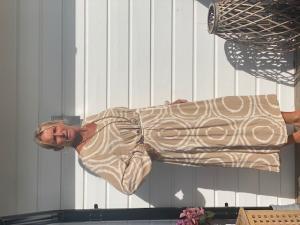 "Lång klänning ""Edith"", beige - Gemini"