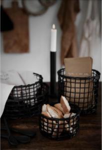 ERNST Korg i bambu, svart (4 olika storlekar)