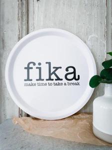 Bricka Vit: Fika - Mellow Design (rund)
