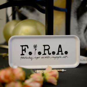 Bricka FIRA, 32x15 cm - Erika Tubbin