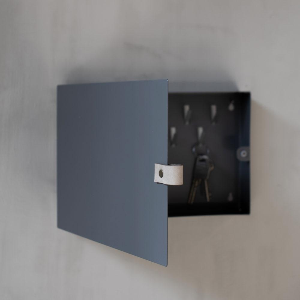 Folkabo, Stilrent Nyckelskåp i Metall- Storefactory (Förboka)