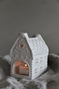Gingerhouse Mindre Vit - Majas Cottage (beräknas komma i november)