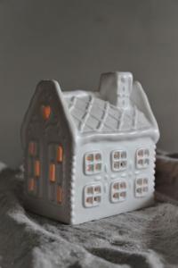 Gingerhouse stort Vit - Majas Cottage (beräknas komma i november)