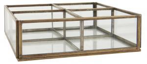 Glasbox med 4 fack, Mässingsfinish - Ib Laursen